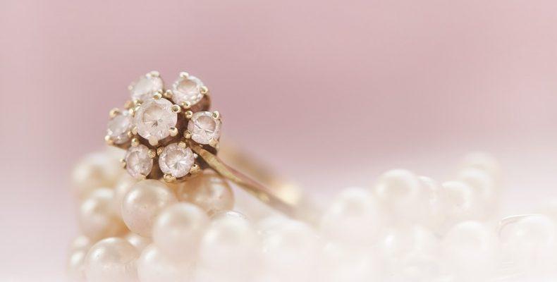 pierścionek - jak wybrać ten idealny?
